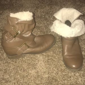 Women's ankle booties